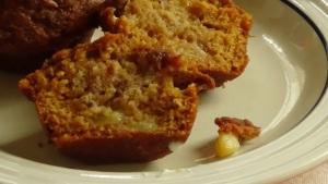 Apple Pie Muffins cut